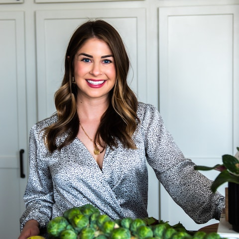 Learn Nutrition with Danielle Z | Amphy