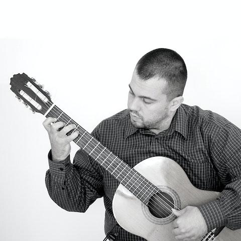 Learn Guitar & ukulele with Pavle K | Amphy