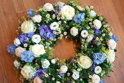 Hvid & Blå Begravelseskrans