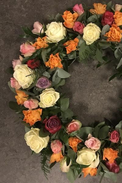 Varme roser Oasiskrans